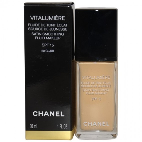 Chanel Vitalumiere satin smoothing fluid Makeup spf 15-Clair 20
