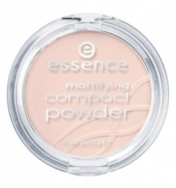 Essence Mattifying Compact Powder 10